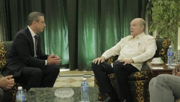 García Padilla con el Ministro del Comercio Exterior y la Inversión Extranjera de Cuba, Rodrigo Malmierca. Foto: Cortesía de la delegación puertorriqueña