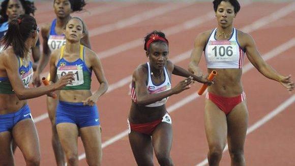 Relevo 4x400 femenino cubano. Foto: Archivo.