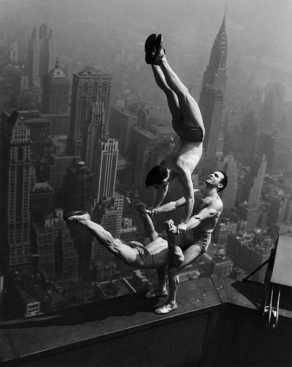 Impresionante, número acrobático den lo alto del Empire State Building, 1934.