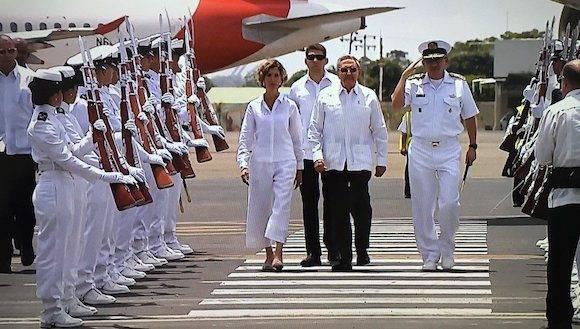 Llega a Cartagena el presidente de Cuba Raúl Castro para la firma del acuerdo de paz entre el gobierno y las FARC. Foto: @miguelmatus / Twitter