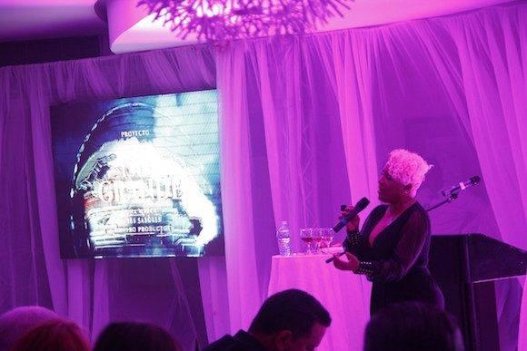 Haila María Mompié amenizó la noche de presentaciones excluivas.