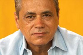 El escritor y guionista cubano Senel Paz