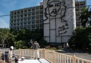 Preparan tribuna al papa Francisco en La Habana (foto tomada de Internet)