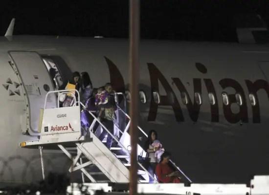 Costa Rica advirtió que los cubanos deben aprovechar los vuelos (foto: nacion.com)