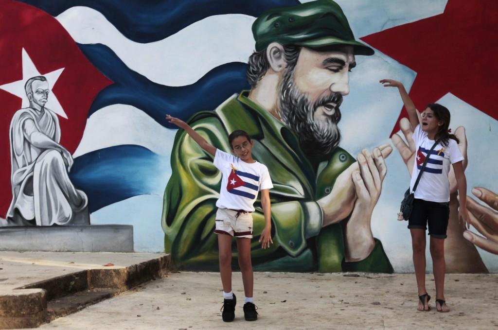 Fidel Castro Est Vivant, Hollande L'a Rencontré