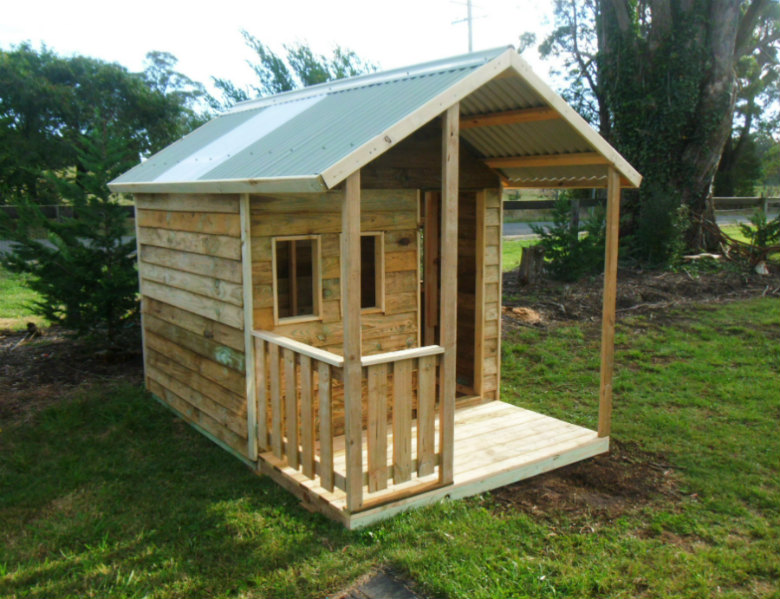 cubby house 2.8m x 1.8m with deck, with side rail, x3 window openings $1235