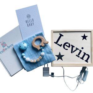 nachttischlampe aus holz personalisiert sterne set hellblau
