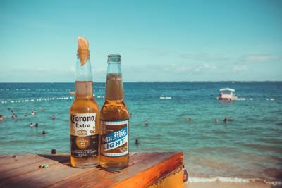 パタヤビーチでのんびりするには「ゴザ」が必須であることを今回知りました。