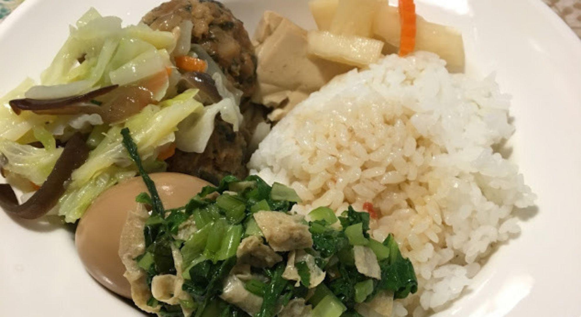 台湾の伝統的な家庭料理が食べられるお店「楽意坊小吃」を紹介します。