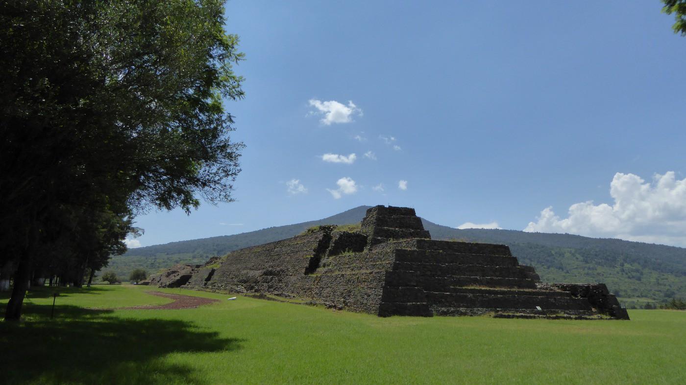 Zona Arqueológica Las Yácatas