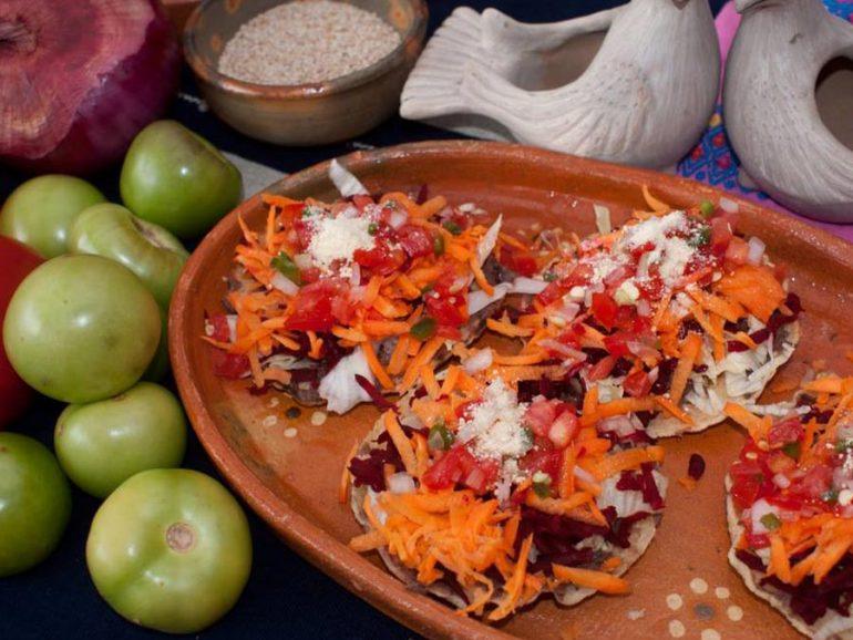 Chalupas gastronomia de San Cristobal de las Casas