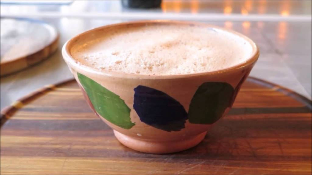 atole de agua miel - bebidas tradicionales de Querétaro