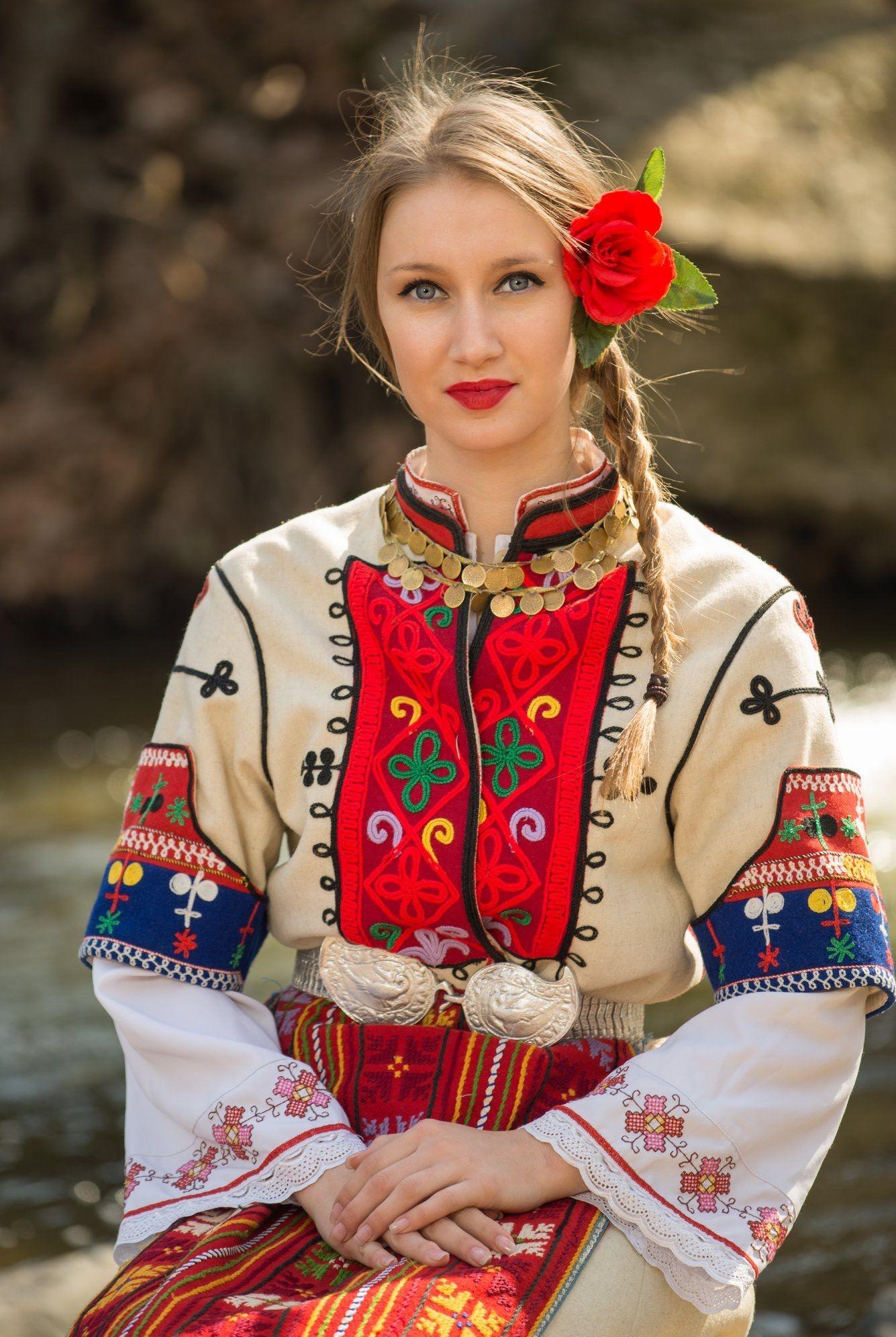 Traje típico de la mujer rusa