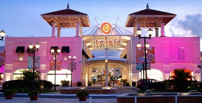 visitar las plazas en cancun
