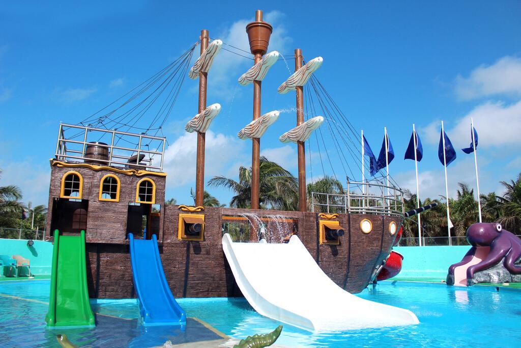 hoteles familiares en cancun - Seadust Cancun Family Resort