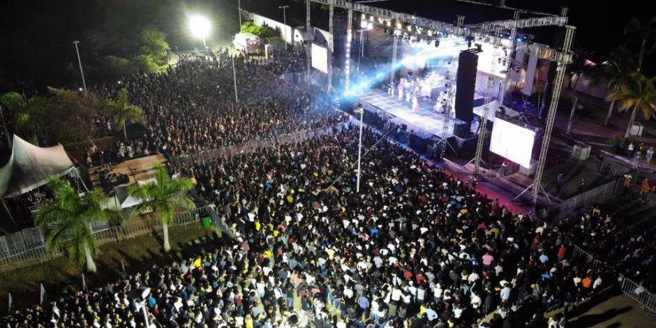 Disfrutar de los eventos culturales parque de las palapas cancun