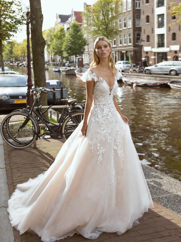 Vestido sencillo de novia bohemio