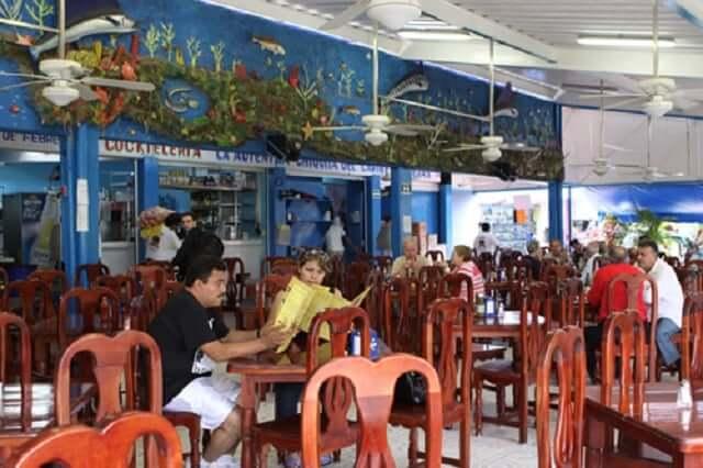 restaurantes en el mercado 23