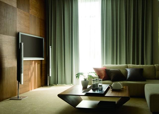 カーテンで夏の暑さ対策 遮光カーテンを選ぶ