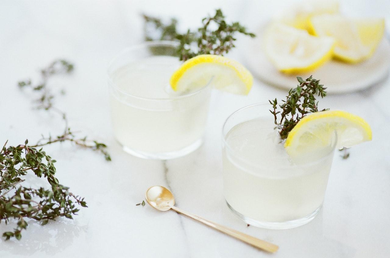 thyme and lemon detox water