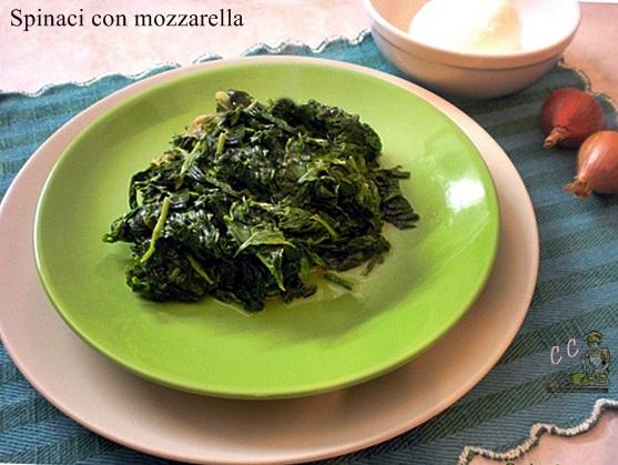 Spinaci con mozzarella ricetta contorni