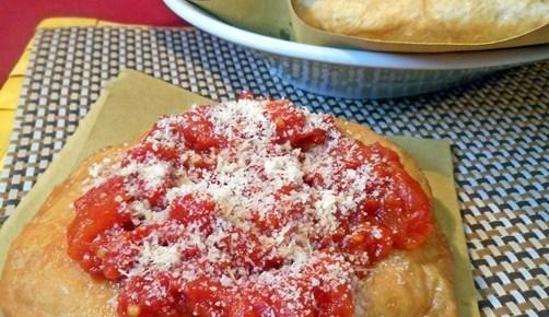 Pizzette fritte con pomodoro