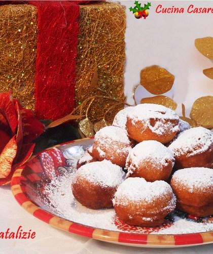 Frittelle natalizie con frutta secca