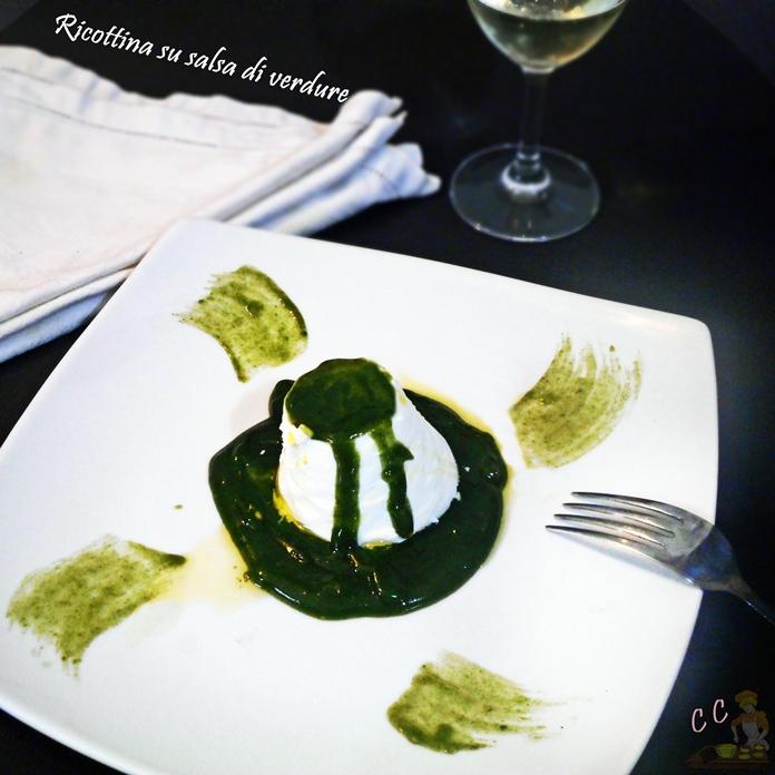 Ricottina su salsa di verdure