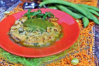 Frittata con fave su salsa di bucce di fave