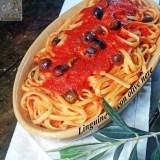 Linguine con olive nere