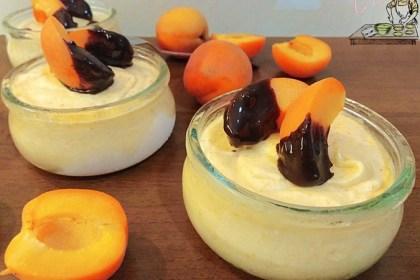 dessert soffice con albicocche