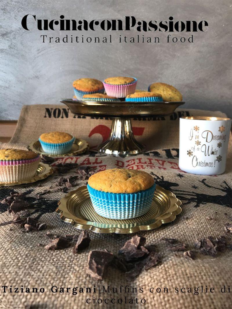 muffins con scaglie di cioccolato Muffins con scaglie di cioccolato Muffins con scaglie di cioccolato