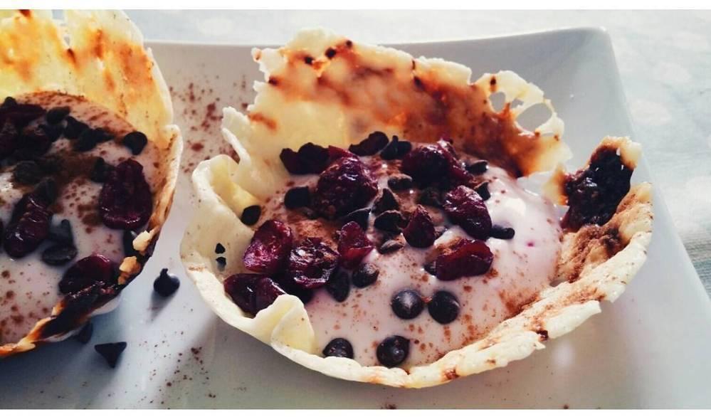 #cestino #quark #formaggio #cheese #cannella #cinnamon #mirtilli #yogurt #bolero #cioccolato #lightfood #breakfast #fast & #easy