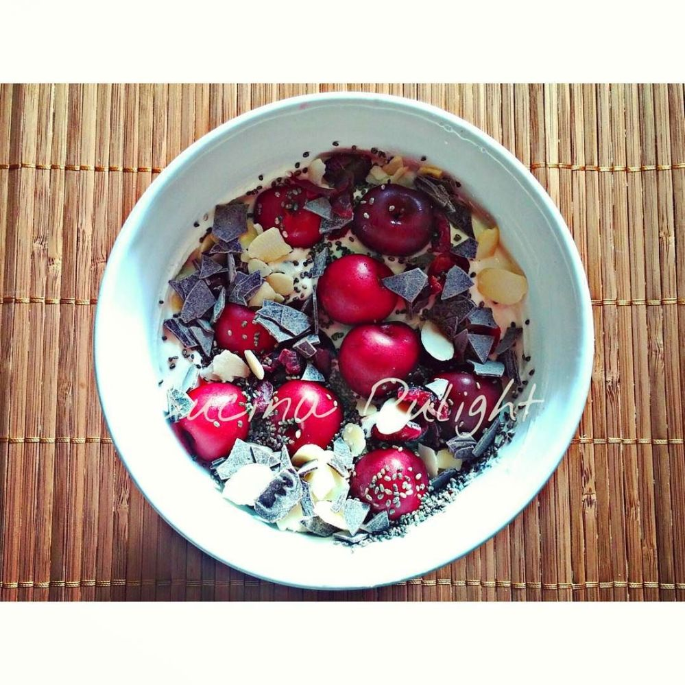#dulight #cucinadulight #dukandiet #dukan #healthy #breakfast #quark #cherries #dryedfruit #almonds #chia #chiaseeds #chocolate #sucralose #jessyecri #bodyloss #bodychange