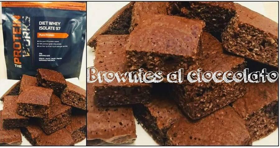 #brownies #chocolate #chocolatecake #light #lightfood #protein #dukan #diet #dukanstyle #videoricette #youtube #youtubechannel #cucinaproteica #cucinadulight @theproteinworksitalia @theproteinworks