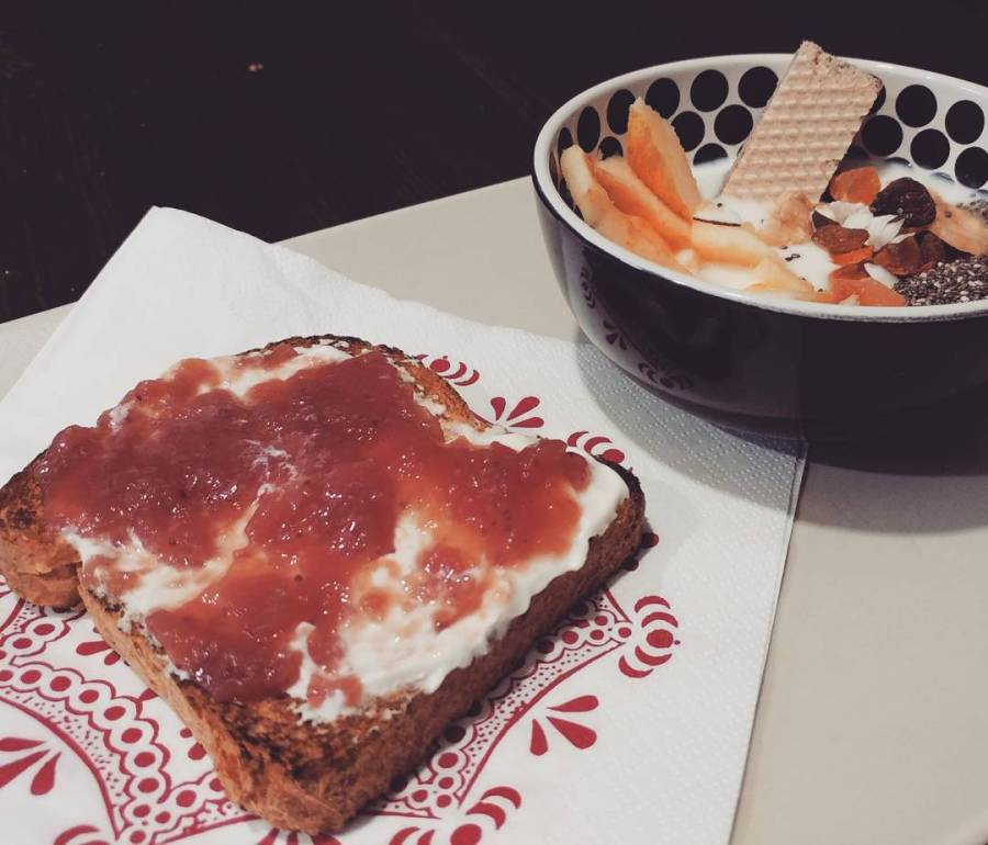 #breakfast #breadandjam #philadelphia #yogurt #wafer #frutta #apple #dukan #diet #quartafase #lightfood #healthyfood #cucinadulight