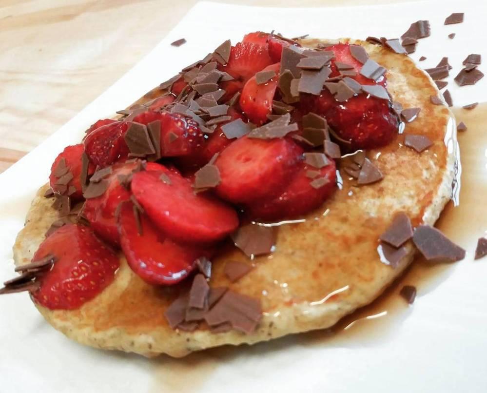#breakfast #pancakes #Dulight #tibiona @bongionatura #strawberry #mysyrup #chocolate #dukan #diet #quartafase #highprotein #lowfat #fitness #fitfood #lightfood #cucinaproteica #cucinadulight