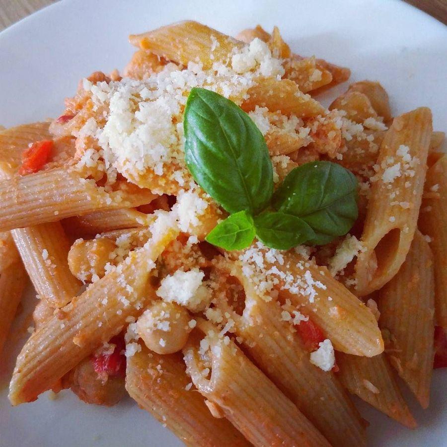 #lunch #pasta #integrale #pennette #pomodoro #tonno #basilico #ajvar #slovenia #dukan #diet #quartafase #lightfood #fitfood #lowfat #spring #cooking #cheflife #cucinaproteica #cucinadulight
