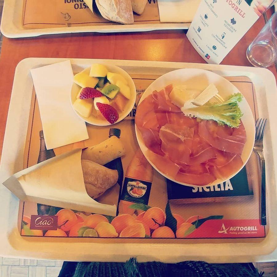 #autogrill #crudo #grana #macedonia #panini #dukan #diet #quartafase #weightloss #consapevolezza #protein #fitness #lightfood #healthylife #trip #cucinaproteica #cucinadulight