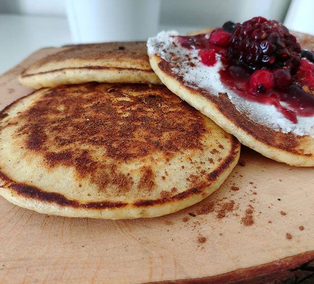 Mini pancakes dulight con ricotta e frutti rossi. Dopo ina festa di laurea impegnativa, si riparte alla grande!😆 #pancakes #preparati #tibiona #dulight #dukan #diet #dietadukanitalia #ddi #fitness #quartafase #fitfood #lightfood #bbg #bbgitalia #protein #lowfat #sport #cibosano #cheflife #summer #breakfast #morning #cucinaproteica #cucinadulight