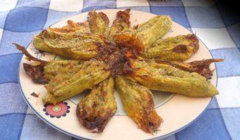 Fiori di zucca, e altre verdure, ripieni (Meezane)