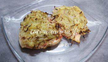 Petti di pollo in crosta di patate e prosciutto