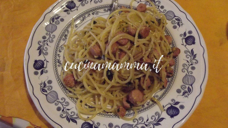 Spaghetti al sugo di wurstel