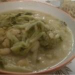 Zuppa di scarole e fagioli (Menesta 'e scarole e fasule)