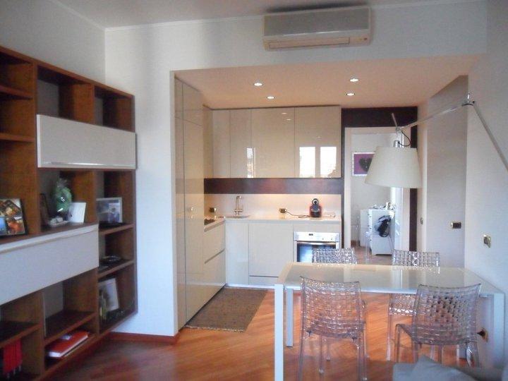Idee consigli e suggerimenti per arredare una cucina for Idee per arredare cucina soggiorno