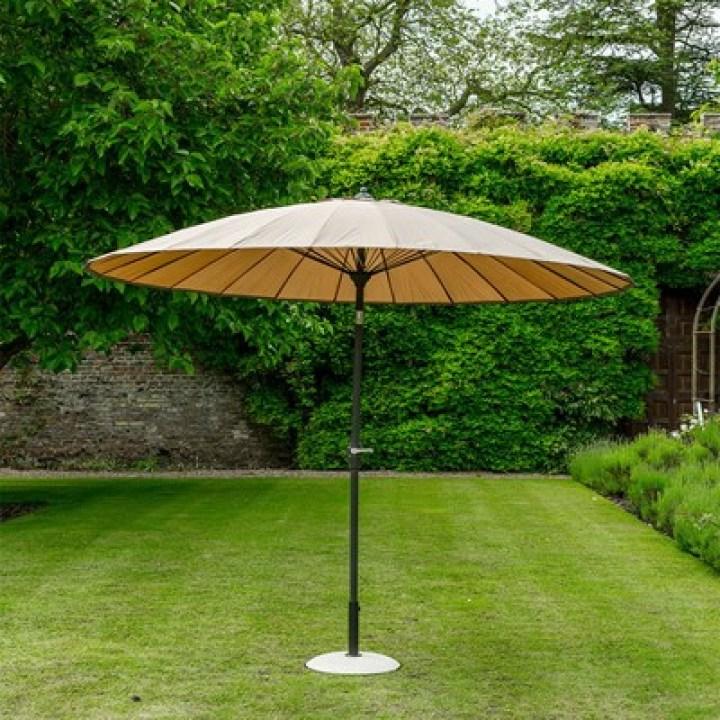 geisha garden parasol in taupe