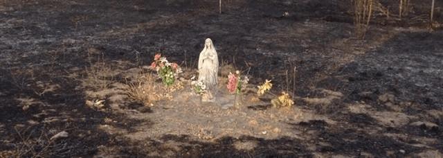 Incendio en Madrid, solo queda la imagen de la Virgen (2)