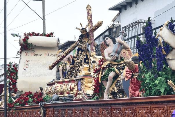jesus de las tres potencias va a la antigua guatemala