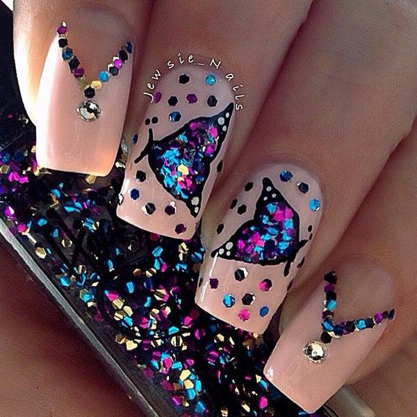 Amazing Glitter Inspired Nail Art With A Erfly And Necklace Design Topped Rhinestones Decos