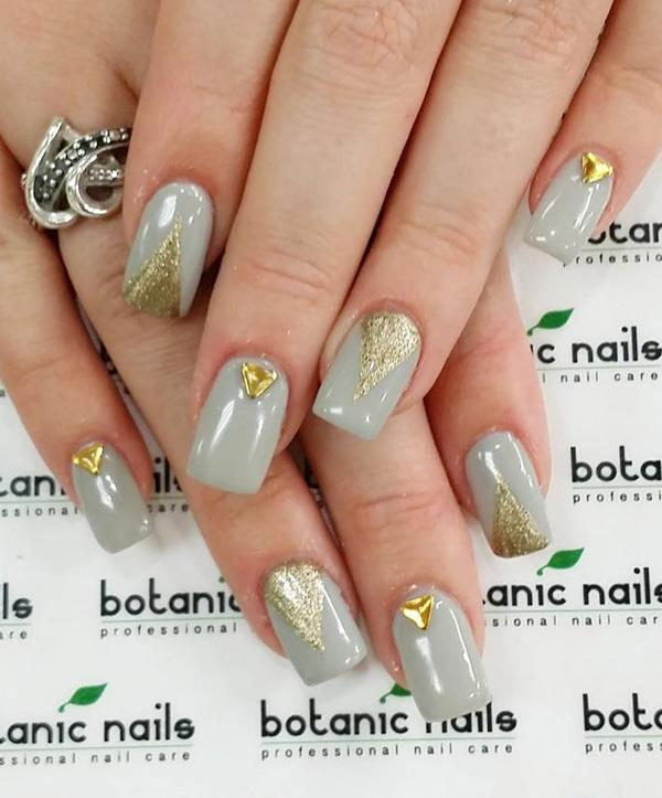 Eye Pleasing Golden Nail Art Can Attracting In Your Finger Nails If You Like It Then Add Versatile Charm Their Appearance With